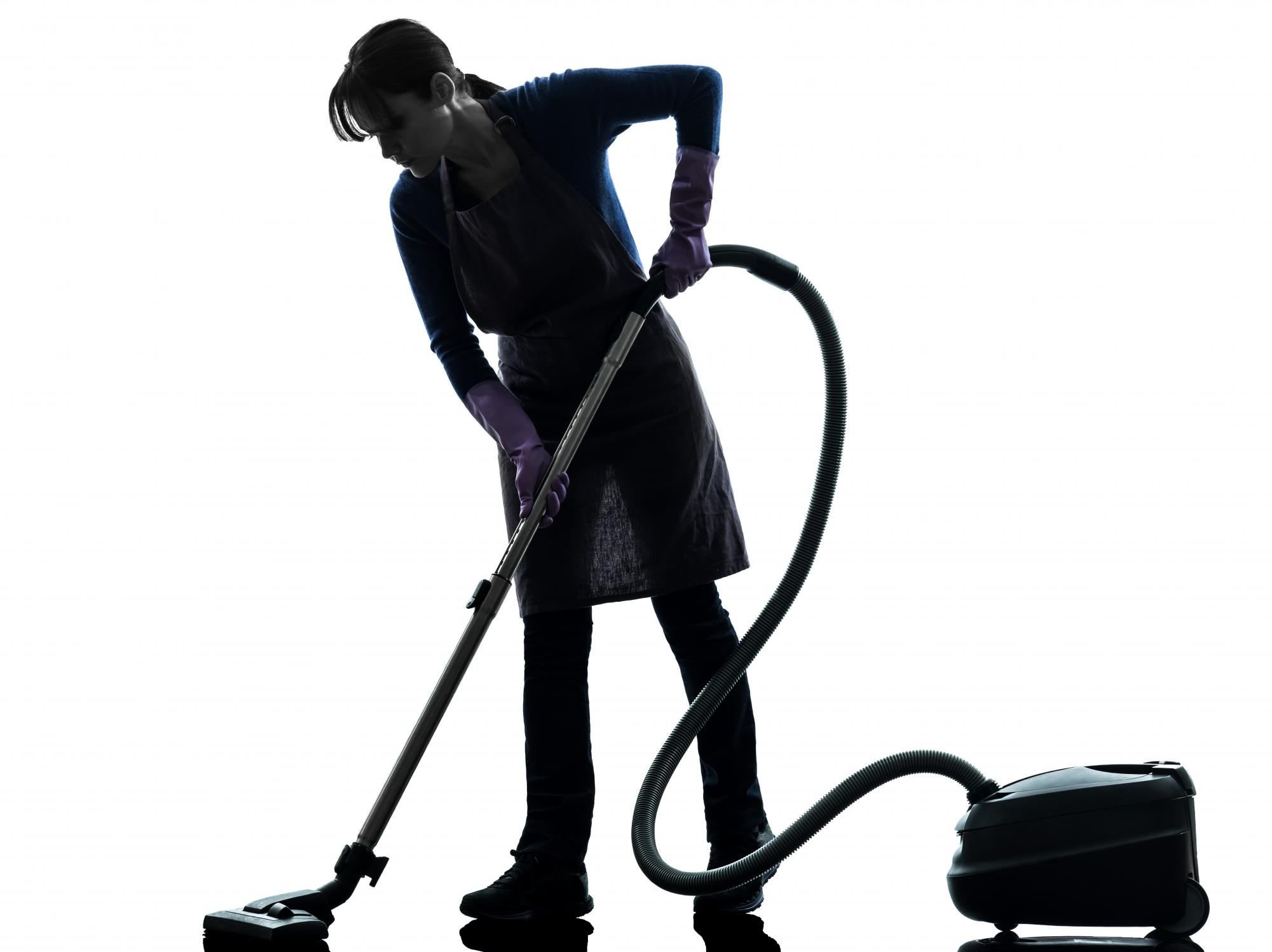 maitland carpet cleaning | A lady cleaner cleaning the floor