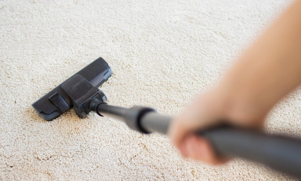 cleaning carpet by our expert